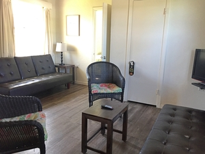 One Bedroom Apartment Photo 2